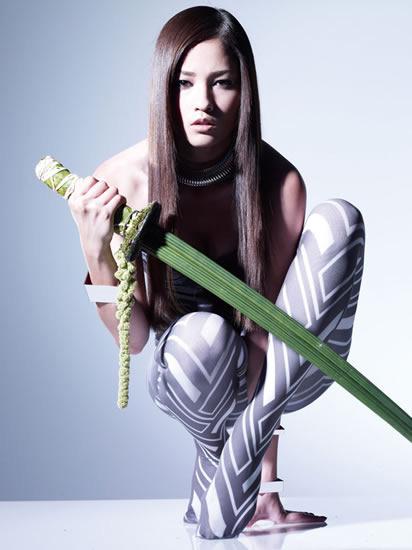 「Are ya Ready?」のミュージックビデオのフル視聴を開始した黒木メイサ (c)Listen Japan