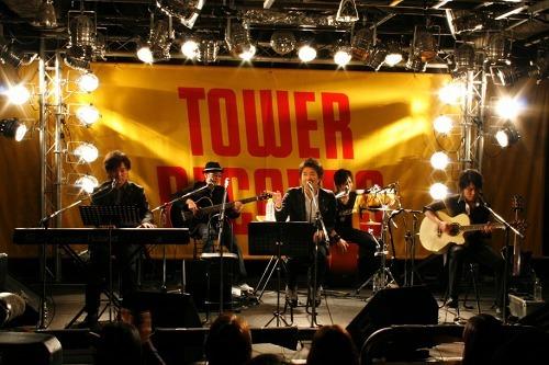 10年ぶりにインストアライヴを行ったDEEN (c)Listen Japan