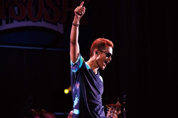 """2013年11月にハワイの""""Waikiki Shell""""にて行われたこの屋外ライブ (okmusic UP\'s)"""