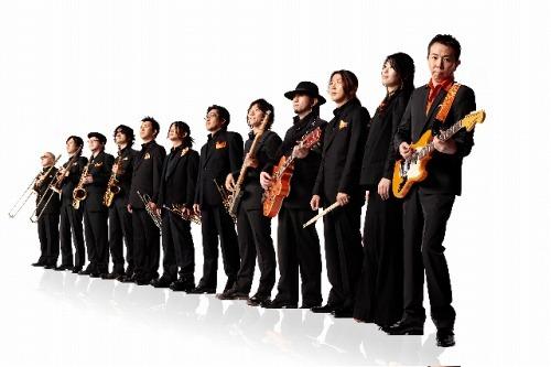 """大事MANブラザーズバンドの立川俊之率いる""""大事MANブラザーズオーケストラ (c)Listen Japan"""