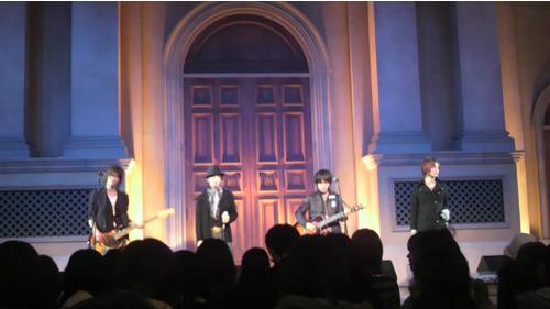 お台場ヴィーナスフォートでレコ発イベントを開催した+Plus (c)Listen Japan