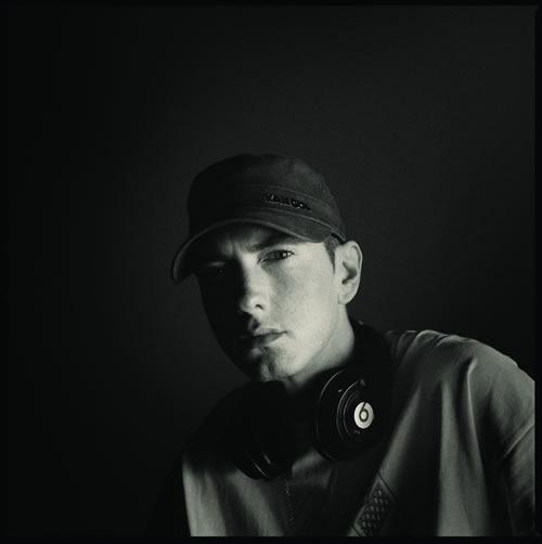 『リラプス: リフィル』を12月23日に発売するエミネム (c)Listen Japan