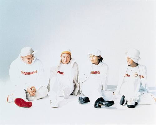 再発した「Only Holy Story」が20万ダウンロードを記録したSteady&Co. (c)Listen Japan