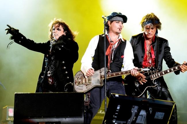 グラミー賞授賞式への出演が決定したハリウッド・ヴァンパイアーズ(写真左からアリス・クーパー、ジョニー・デップ、ジョー・ペリー) (Getty Images)