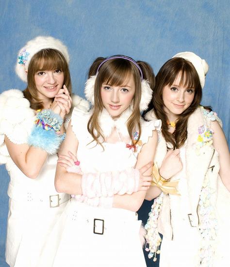 インターネット動画投稿サイトから人気に火がついたベッキー・クルーエルがユニット結成 (c)Listen Japan