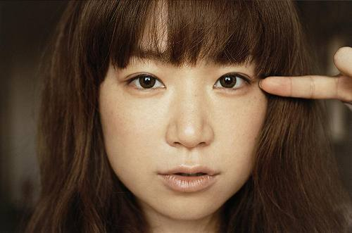 YUKI、シングル「うれしくって抱きあうよ」に続き同タイトルのアルバムのリリースも決定 (c)Listen Japan