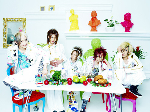 「gr8 story」でメジャーデビューを飾る5ピースバンド・SuG(サグ) (c)ListenJapan