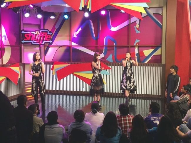 メキシコの現地テレビに生出演したKalafina
