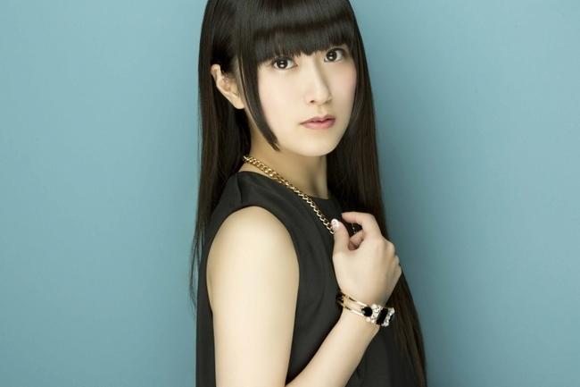 自身の誕生日である6月1日に1stシングルをリリースする村川梨衣
