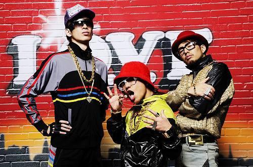 ニューシングル「L.O.V.E.」を2月10日にリリースするHOME MADE 家族 (c)Listen Japan