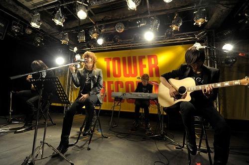 abingdon boys schoolがタワレコ渋谷店でインストアライヴ (c)Listen Japan