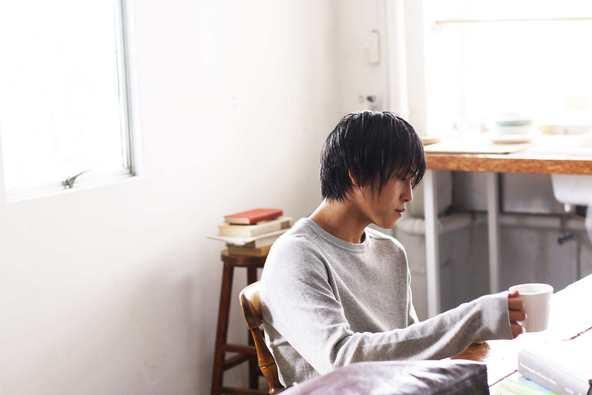 「あたしをみつけて」MV場面写真(佐野岳) (okmusic UP\'s)