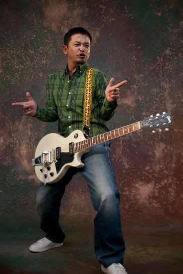 ステージ上で新曲を録音するという公開レコーディング・ツアーを発表した奥田民生 (c)Listen Japan
