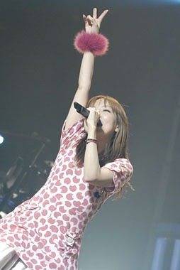 全国ホールツアー「Love Like Pop vol.12」最終日のaiko (c)Listen Japan