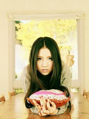 2009年デビューの阿部真央が初の全国ツアー (c)Listen Japan