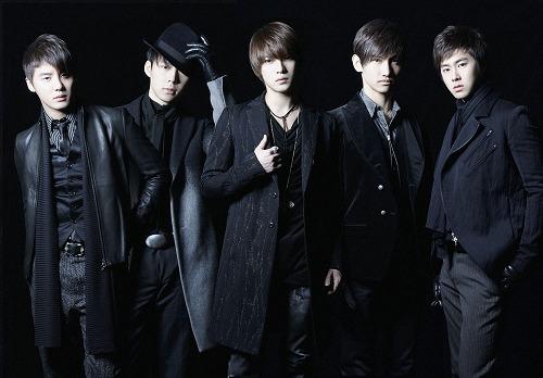 ヒットシングル満載のベストアルバムをリリースする東方神起 (c)Listen Japan