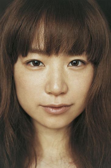 約3年半ぶりのオリジナルフルアルバム『うれしくって抱きあうよ』をリリースするYUKI (c)Listen Japan