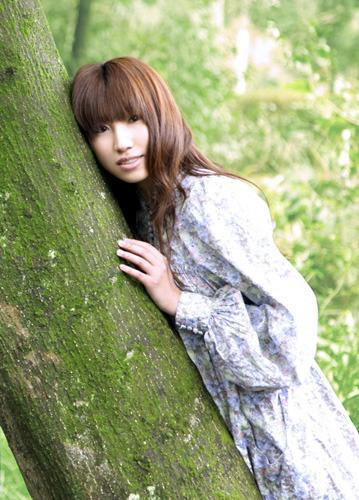 4月から放送開始のTVアニメ「薄桜鬼」主題歌シングルのリリースも決定している吉岡亜衣加 (C) TEAM Entertainment Inc.