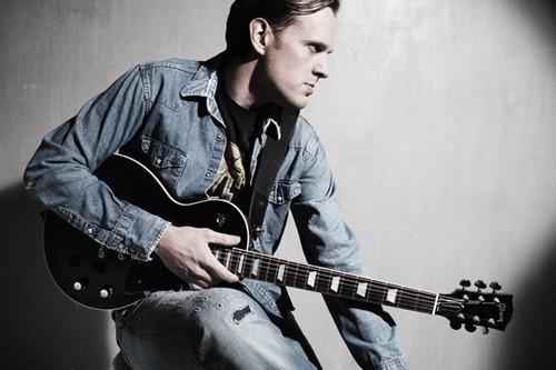 4月に東京、大阪での再来日公演が決定したギタリスト、ジョー・ボナマッサ (c)Listen Japan