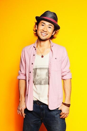 世界各地を渡り歩いてきたナオト・インティライミがメジャーデビュー (c)Listen Japan
