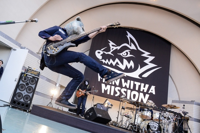 MAN WITH A MISSION���X�y�V�����t���[�C�x���g���J�ÁI