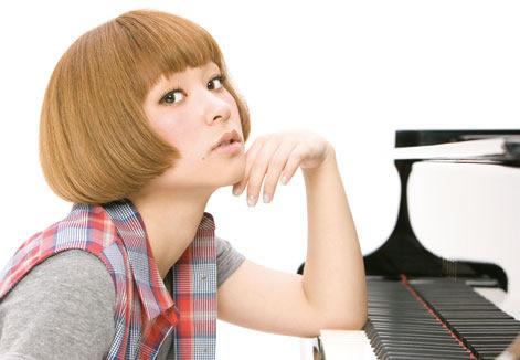 4月21日のメジャーデビューするシンガーソングライター・近藤夏子 (c)Listen Japan