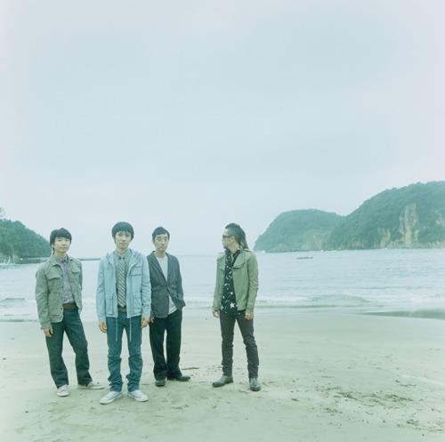 全国ツアーに合わせツアー連動型のサイトをスタートするスピッツ (c)Listen Japan