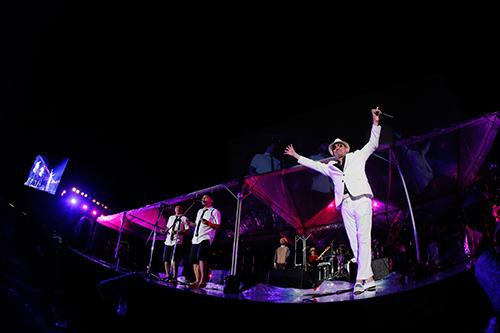 4月24日@「波の上うみそら公園」特設ステージ (okmusic UP's)