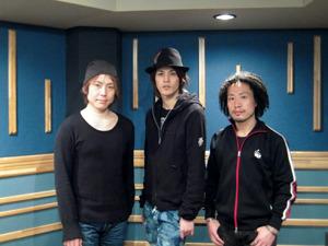 コメントを寄せて頂いたキャストのみなさん(左:置鮎龍太郎さん、中央:宮野真守さん、右:竹本英史さん) (C)フロンティアワークス