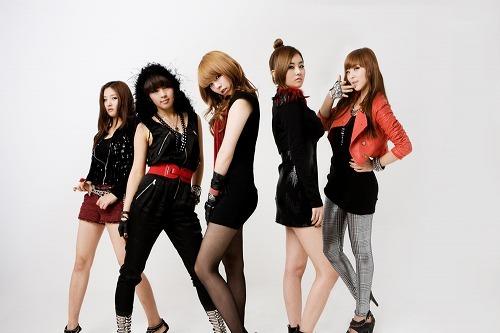 韓国のスーパーガールズグループ、4Minute (c)Listen Japan