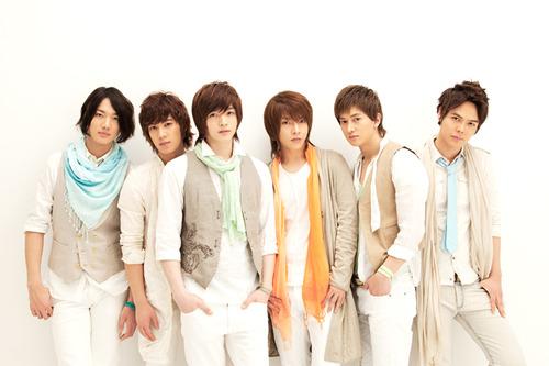 韓国出身のダンスボーカルグループ、超新星 (c)Listen Japan