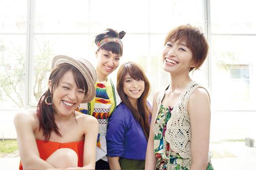 17枚目のシングル、「ヒマワリ -Growing Sunflower- 」をリリースしたSPEED (c)Listen Japan