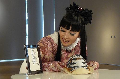 マイケル・ジャクソン遺品展をプロデュースするプリンセス天功 (c)Listen Japan