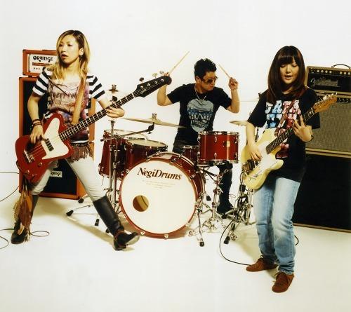 デビュー10周年を迎えるGO!GO!7188 (c)Listen Japan