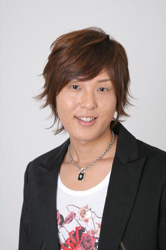 声優として数々の作品に出演している成瀬誠 (c)ListenJapan