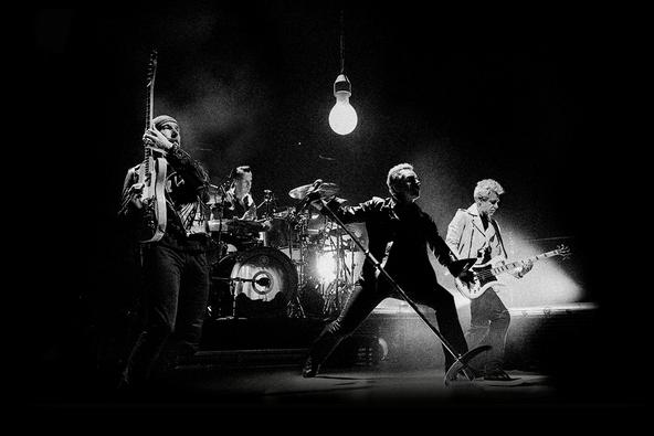 『U2 イノセンス + エクスペリエンス ライヴ・イン・パリ』 (okmusic UP\'s)