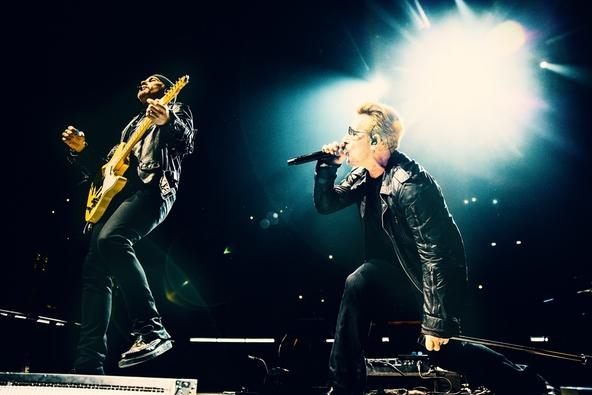 『U2 イノセンス + エクスペリエンス ライヴ・イン・パリ』 (okmusic UP's)