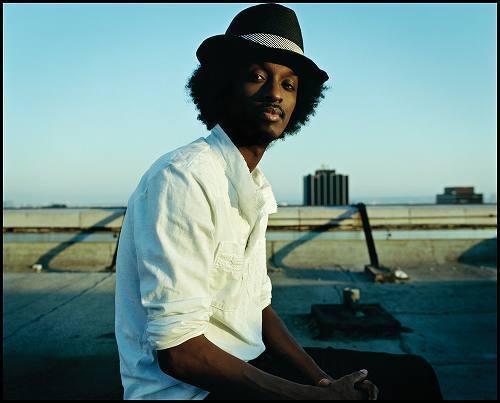 アフリカのソマリア出身のシンガー、ケイナーン (c)Listen Japan