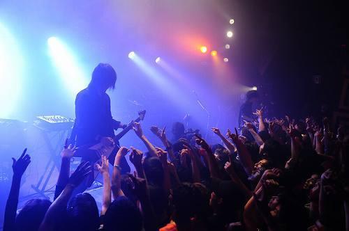 ニューアルバムの発売を記念してプレミアライヴを開催したブンブンサテライツ (c)Listen Japan