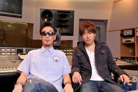 初のカヴァーアルバムを発表するコブクロ (c)Listen Japan