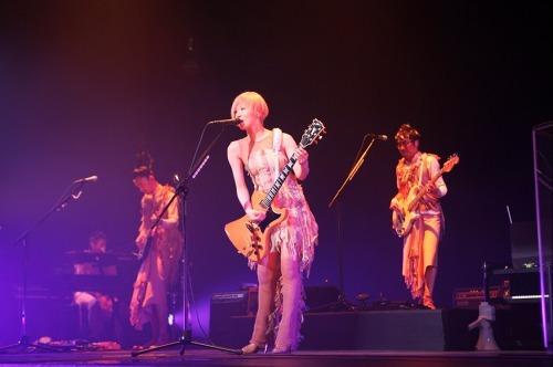 「東京事変 live tour 2010 ウルトラC」より (c)Listen Japan