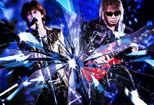 2010年も圧巻のステージで観客を魅了したB'z (c)Listen Japan