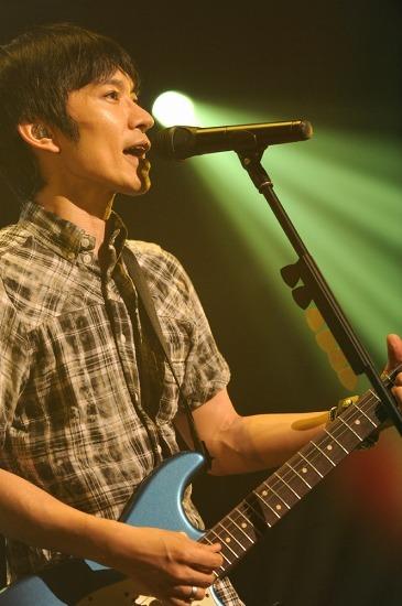 全国ツアーでいち早く新曲「つぐみ」を披露してきたスピッツ (c)Listen Japan