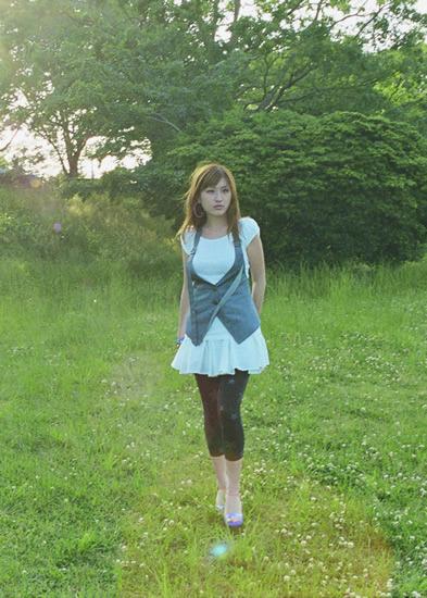 ドラマ「逃亡弁護士」主題歌にシングル「Stand Up For Love」が起用された和紗 (c)Listen Japan