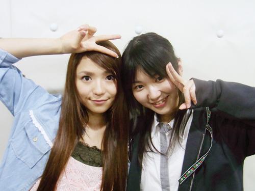 左:酒井香奈子さん、右:井ノ上奈々さん (C)2010 5pb. Inc./CYBERFRONT