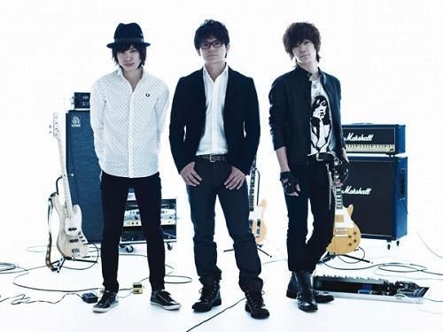 関西在住で活動している個性的なJ-ROCKバンド、スムルース (c)Listen Japan
