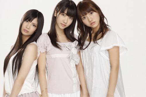 "AKB48から新ユニット""フレンチ・キス""誕生 (c)Listen Japan"