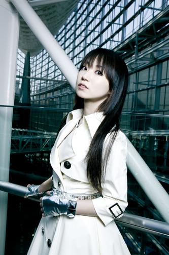 ニューアルバムも大ヒットを記録し、アーティストとしても声優としても活躍が続く水樹奈々 (c)ListenJapan