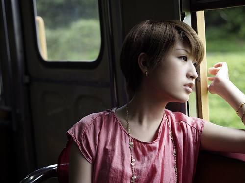 「Stand Up For Love」を歌う和紗 (c)Listen Japan