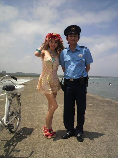 mirayのPVに出演したお笑い芸人の有吉弘行 (c)Listen Japan